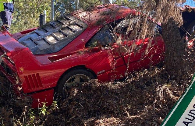 Tesztvezetésen zúztak le egy Ferrari F40-est