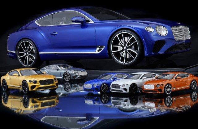 300 munkaórával készít óriási modellt a Bentley