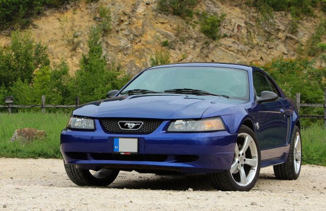 Stílusos belépő a Mustang klubba – Ford Mustang 3.9 V6, 2004