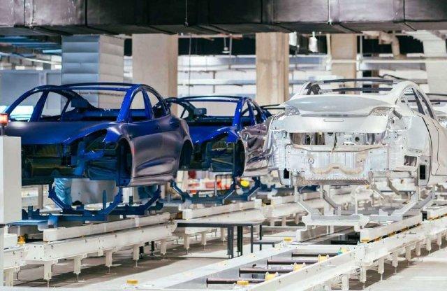 Kukkants be a kínai Tesla gyárba!