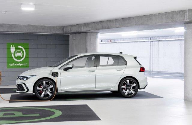 Már idén megkapja az új konnektoros VW Golfokat a hazai piac is