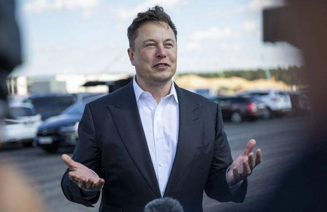 Herbert Diess kölcsönadta a VW ID.3-at Elon Musknak