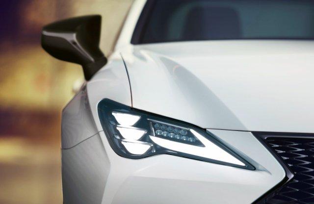 Így újul meg a Lexus RC