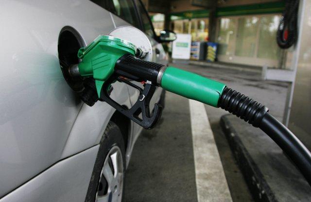 Mindkét üzemanyag drágább lesz szerdától