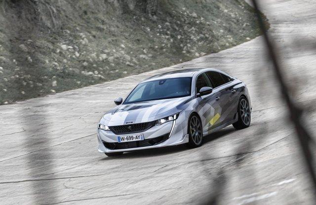 Itt a Peugeot valaha gyártott legerősebb személyautója