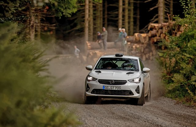 A murván érzi csak igazán jól magát az Opel új sportgépe