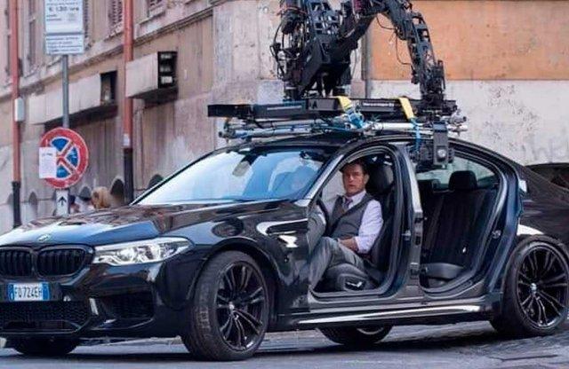 Ajtók nélküli M5-tel csapatja Tom Cruise