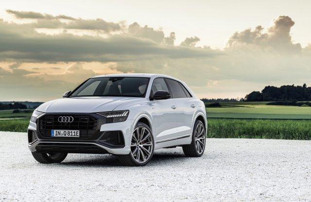 Nem egy, rögtön két hibriddel bővül az Audi Q8 kínálata