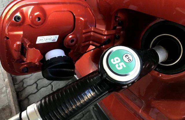 Egyik üzemanyag olcsóbb, másik drágább lesz szerdától