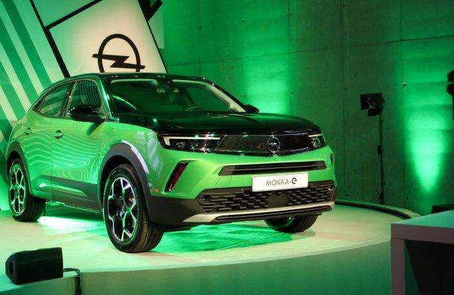Meg nem mondanád, hogy ennek az Opelnek egy Peugeot az alapja!