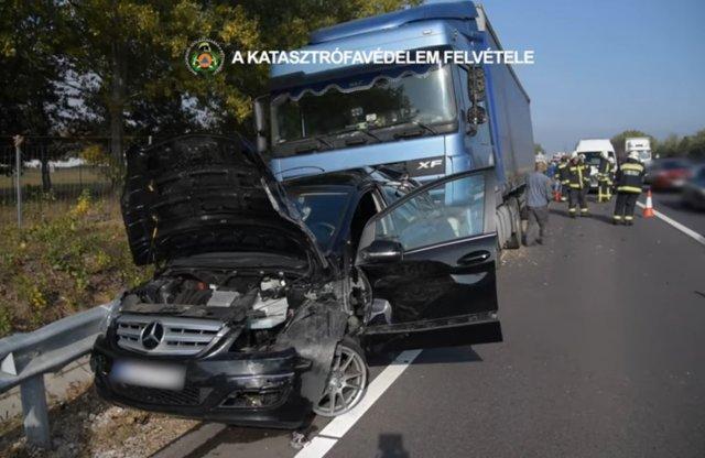 Nyolc autó és egy kamion ment össze az M2-esen