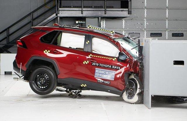 Kimondottan biztonságos lesz az új Suzuki, hiszen a Toyota is az