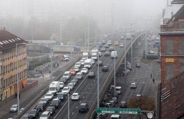 Szmogriadó még nincs, de már egészségtelen a levegő Budapesten