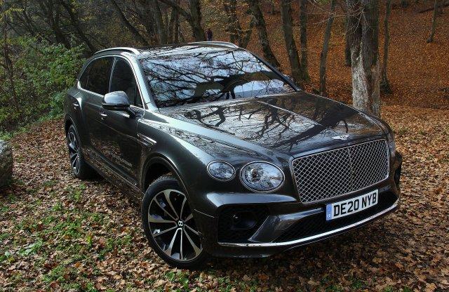 Nem csak focistáknak – Bentley Bentayga V8 First Edition teszt