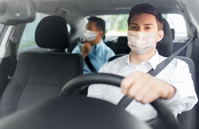 Hogyan autózzunk koronavírus idején? Tanácsok az ORFK OBB-től
