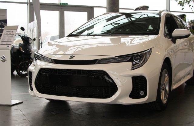 8 millió forintról indul a Suzuki emblémás Toyota Corolla