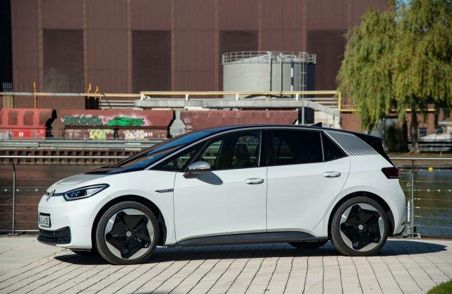 Az ID.3 az októberi elektromos autó eladások élén Európában