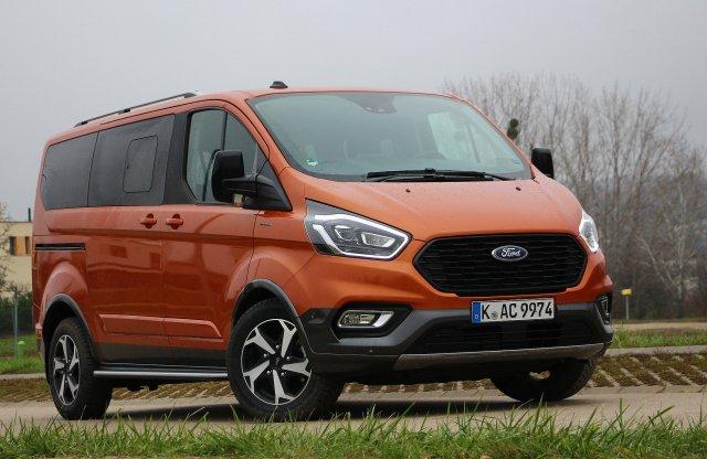 Kisbusz SUV-nak álcázva – Ford Tourneo Custom Active