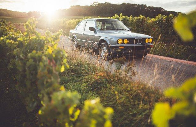 Zavarba ejtően tökéletes ez az öreg E30-as BMW