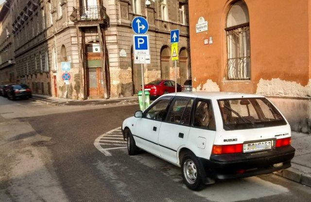 Nem szűnik meg az ingyenes parkolás a jövő év kezdetével