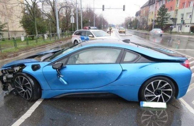 A vádemelésig jutott a részegen elkötött, majd összetört BMW