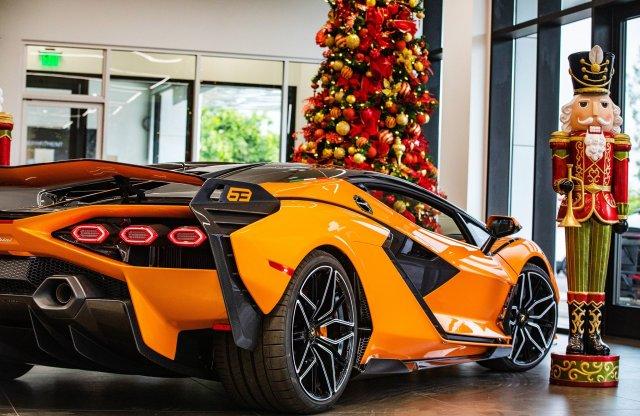 Még épp időben érkezett a fa alá az első Lamborghini Sián