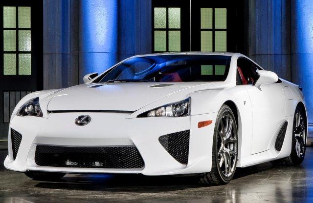 Egy buktatókkal teli sikersztori tíz év távlatából: Lexus LFA