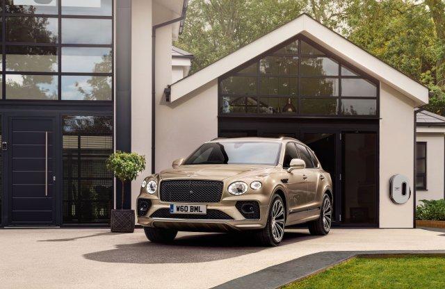 Bő egy év után frissül a Bentley hibrid óriása