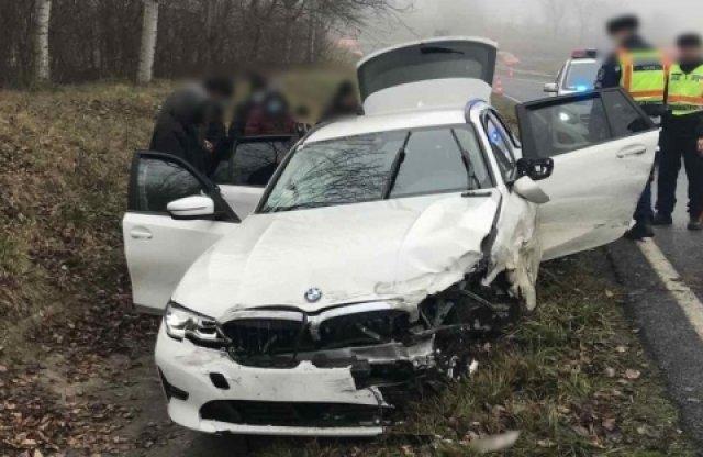 12-en ültek az M7-esen balesetező 3-as BMW-ben!