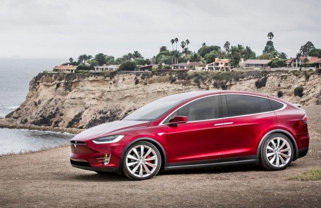 Majdnem bejött Elon Musk jóslata, közel 500 ezer Tesla kelt el