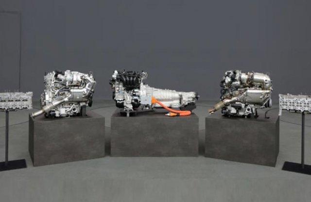 Sorhatos motorokkal és hátsókerékhajtással erősít a Mazda