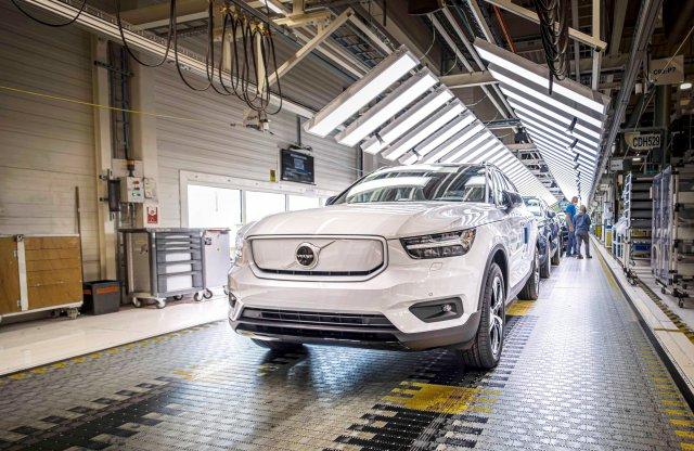 Megtriplázza villanyautó-kapacitását a Volvo