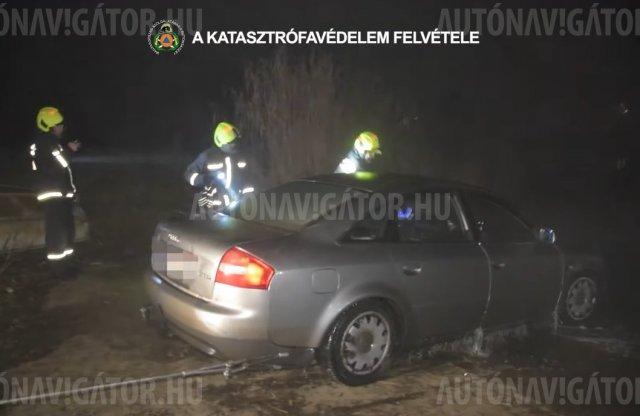 A Dunába süllyedt egy Audi Soroksárnál – videón a mentése