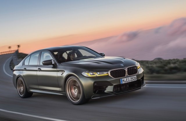 635 lóerő, 3 másodperces gyorsulás. Itt a BMW M5 CS!