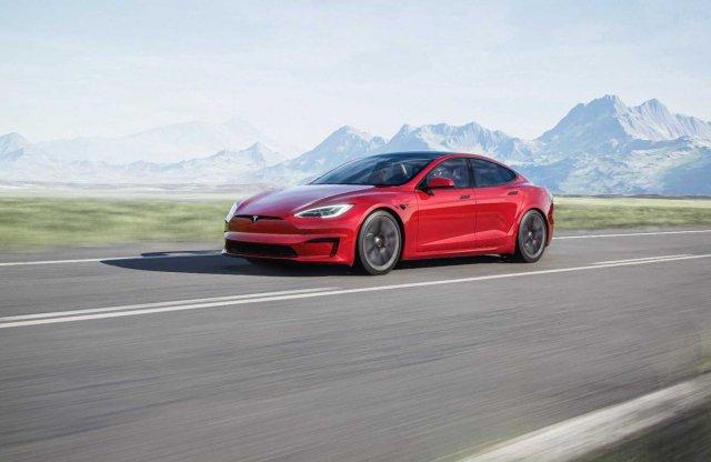 Ezt nem kapkodták el! Kívül és belül is megújul a Tesla Model S