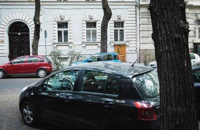 Még egy hónapig biztosan ingyen parkolhatunk