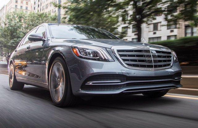 Luxusautókkal üzletelő bűnszervezetet buktatott le a NAV