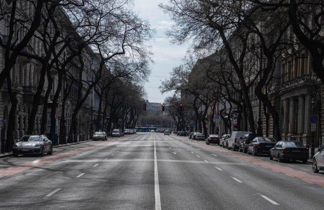 Miként hat az ország lezárása az autózásra? Lesznek szervizek?
