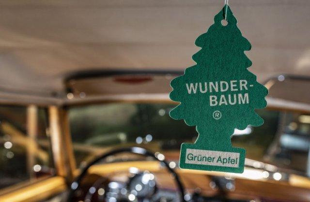 Minden taxi kötelező tartozéka: a Wunder-Baum rövid története