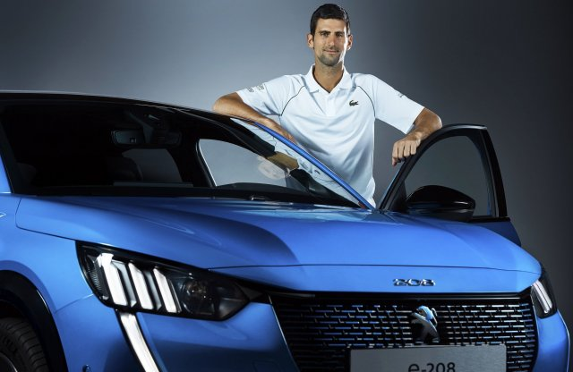 A világ egyik legjobb teniszezője népszerűsíti az e-208-ast