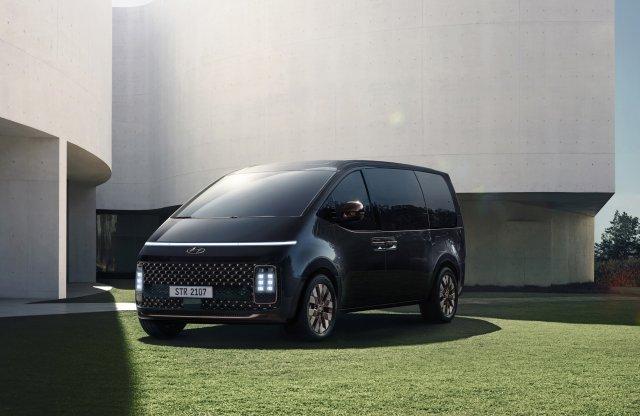A futurisztikus Hyundai Staria itthon is piacra léphet
