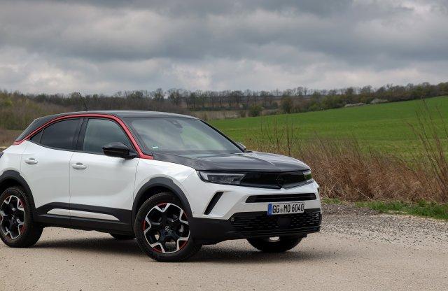 Turbós benzinmotorral is kipróbáltuk a legvagányabb Opelt!