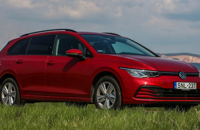 Kell ennél több? –  VW Golf Variant Life 1.5 eTSI OPF DSG teszt
