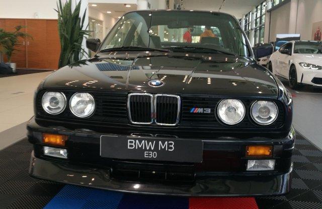 Életre kelt a BMW M3 történelme a Wallis Pestnél