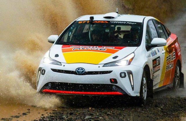 Versenyautóként is beválik a Toyota Prius?