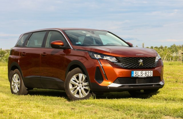 Ha ez lenne a SUV, csak azt vennék! – Peugeot 5008 HDi teszt