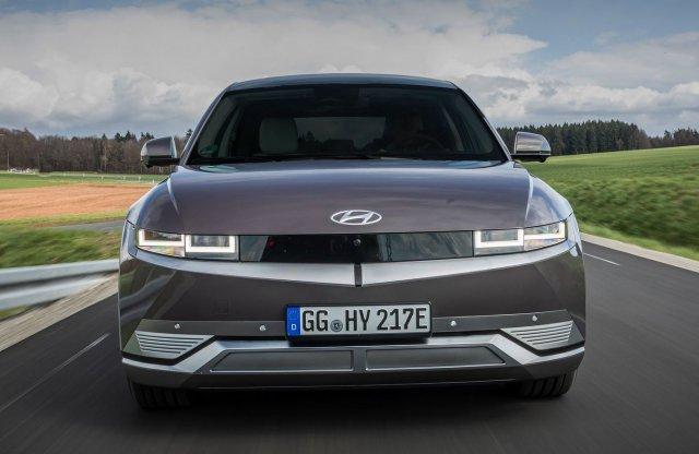Év Magyar Autója 2022: már három márka is nevezte modelljeit