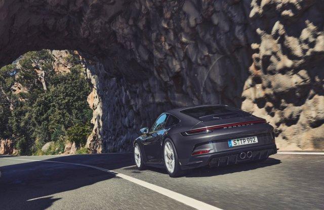 Itt az új Porsche 911 GT3 szárnyaszegett kivitele