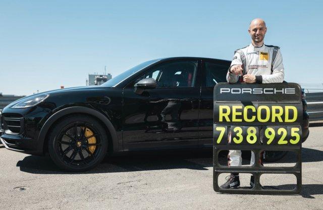 Új SUV körrekord a Nürburgringen
