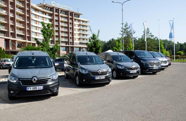Íme a Renault új munkásautói és legújabb csapatszállítója